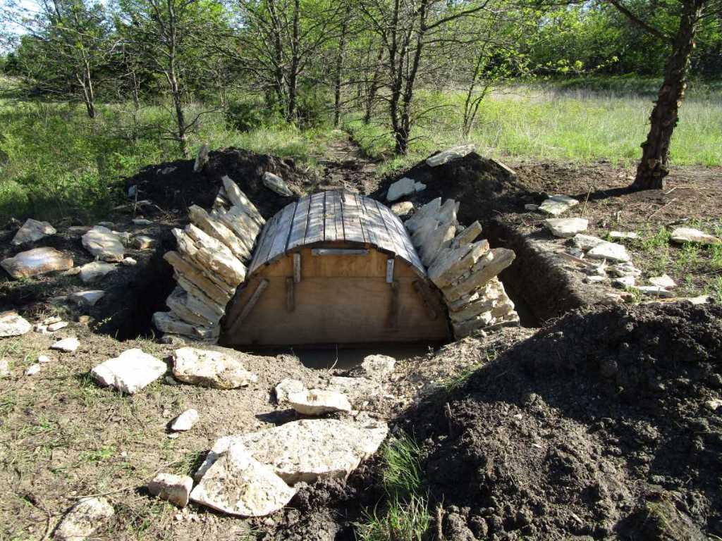 Dry-laid bridge under construction.