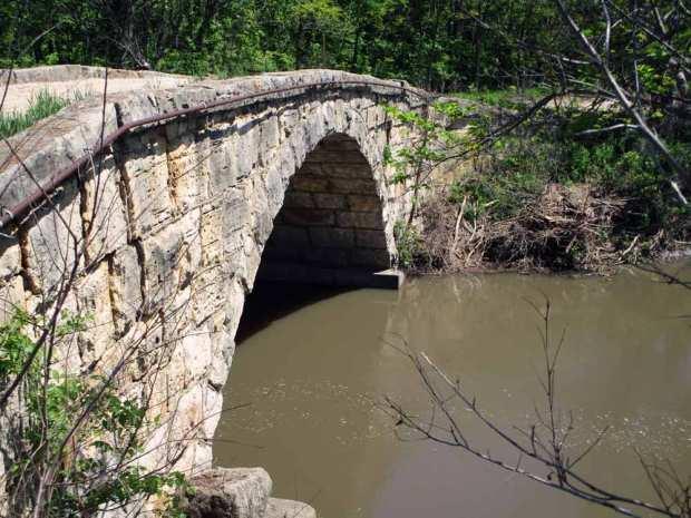 Building Stone Arch Bridges: Masonry Basics