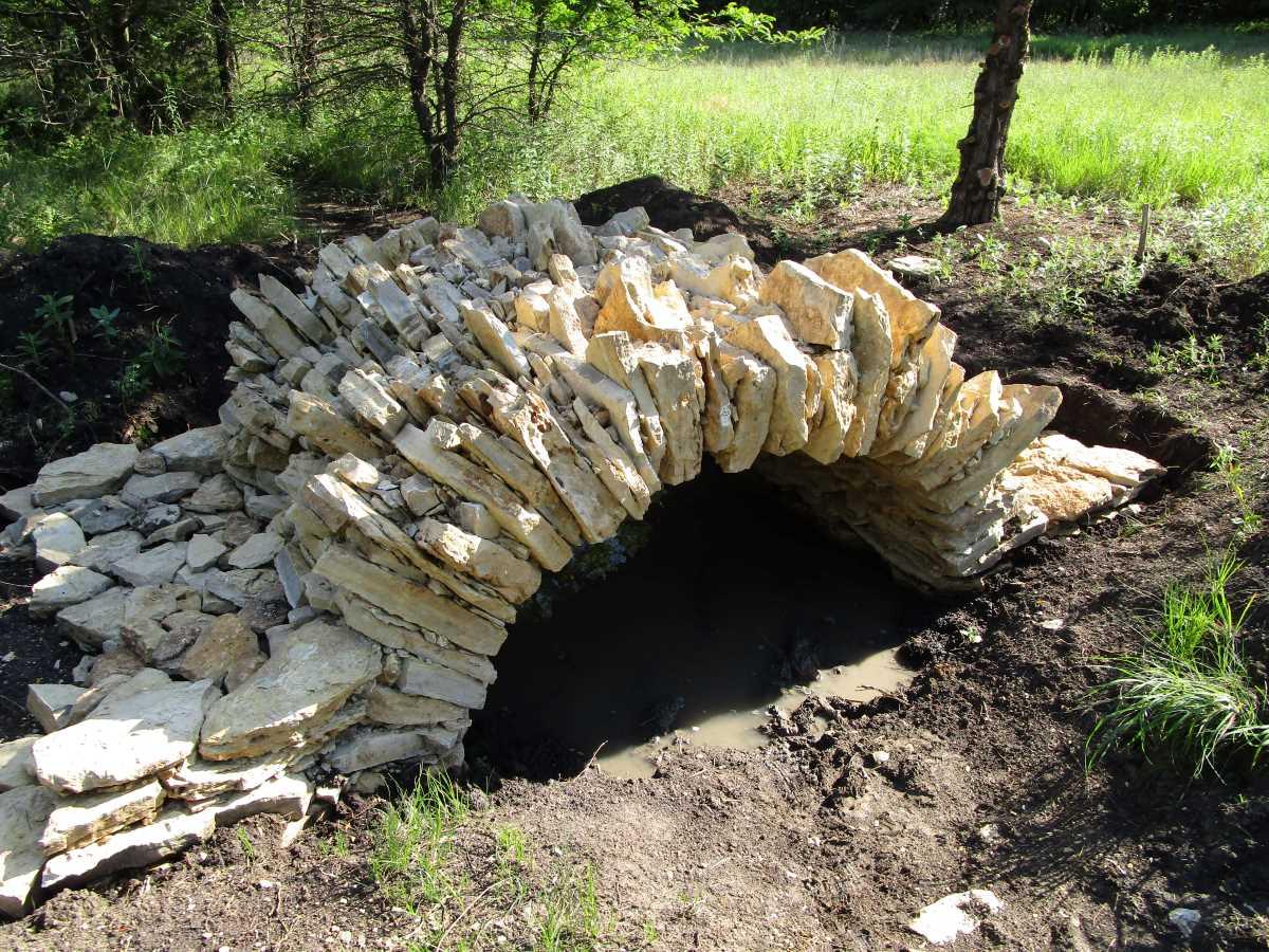 Mortarless Stone Arch