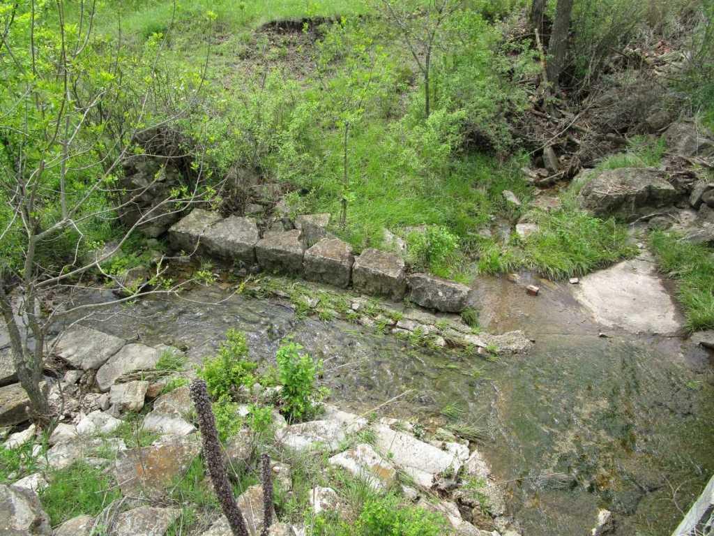 Streambed Pavement